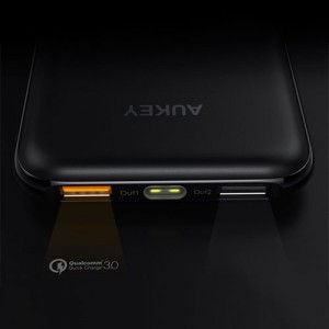 Aukey PB-T18 10000mAh Quick Charge Power Bank
