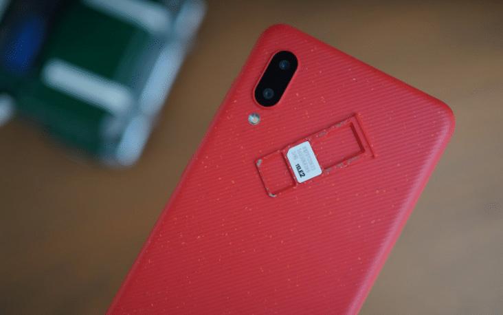 گوشی سامسونگ Galaxy A02 با پشتیبانی همزمان از دوسیم کارت و کارت حافظه