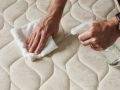 نحوه تمیز کردن تشک تخت خواب   نحوه از بین بردن لکه از روی تشک