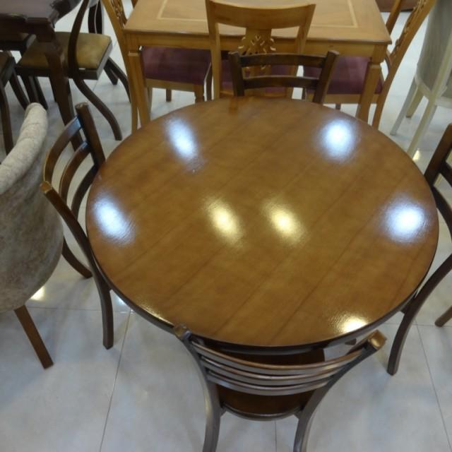 میز 4 نفره گرد با صندلی 3 تیره کف چوب کد 1503