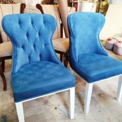 تولیدی صندلی چستر با میز مکعبی
