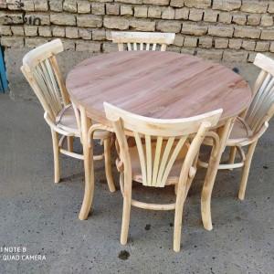 بزرگترین تولید کننده میز و صندلی لهستانی گرد خام
