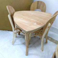 میز 3 نفره صندلی نعل اسبی