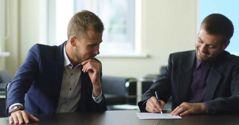 ارائه مشاوره و درک نیازمندی سیستم در تجهیز سالن کنفرانس