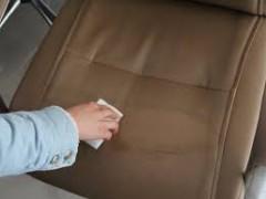 پاک کردن مبل چرمی