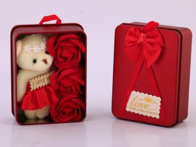 جعبه گل و خرس