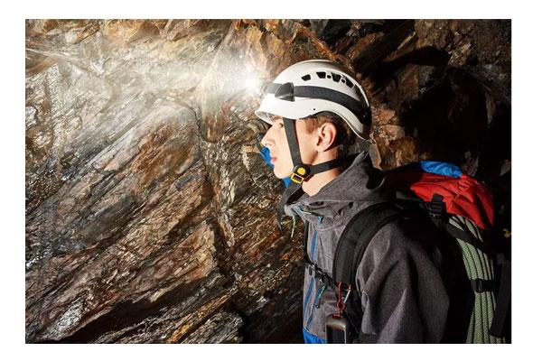 بررسی ، قیمت و خرید انواع کلاه ایمنی غارنوردی پتزل