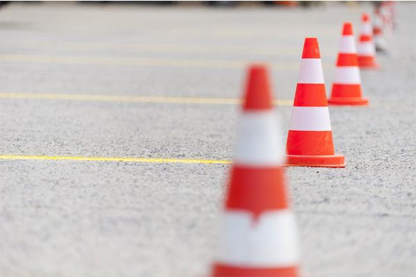 بررسی و خرید مخروط ترافیکی 65 سانتی متری-فروشگاه اینترنتی بازار ترافیک