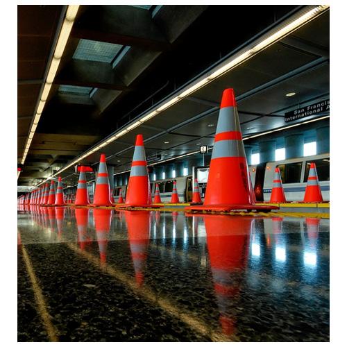 بررسی و خرید مخروط ترافیکی 75 سانتی متری-فروشگاه اینترنتی بازار ترافیک