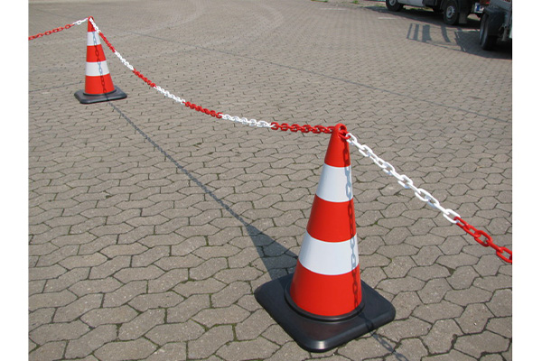 بررسی و خرید مخروط ترافیکی حلقه دار کف لاستیکی 55 سانتی-فروشگاه اینترنتی بازار ترافیک