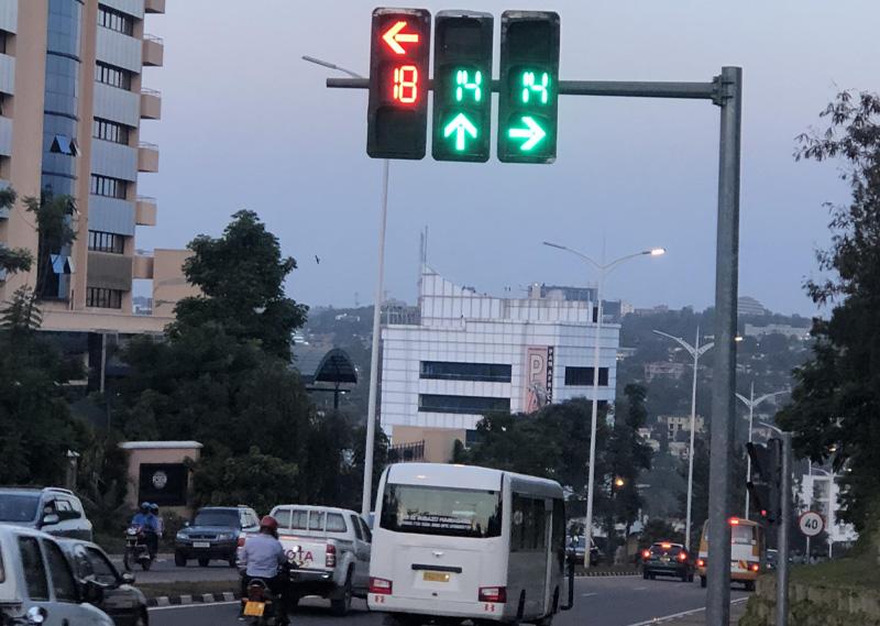 فروشگاه اینترنتی بازارترافیک - بررسی و خرید چراغ راهنمایی رانندگی و ثانیه شمار چراغ راهنمایی