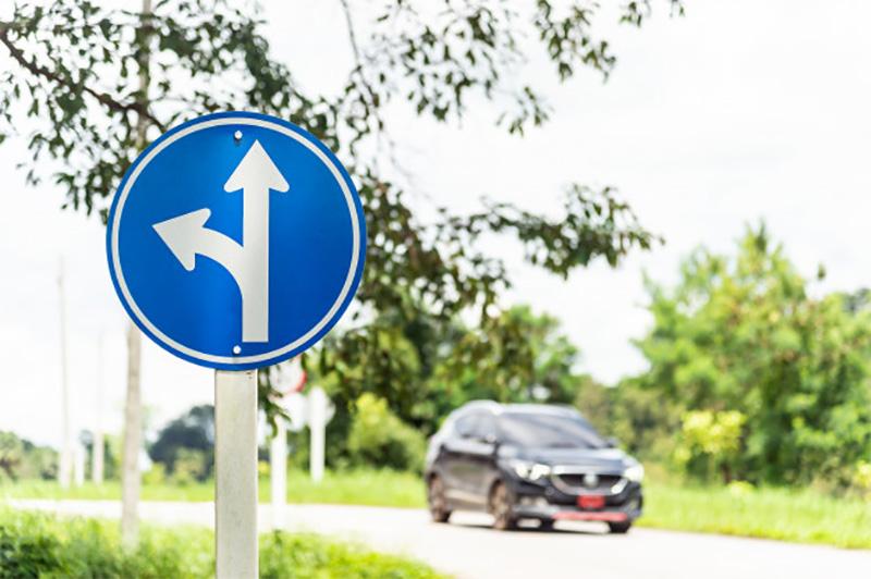 فروشگاه اینترنتی بازار ترافیک-خرید و فروش تابلو عبور مستقیم و گردش به چپ مجاز