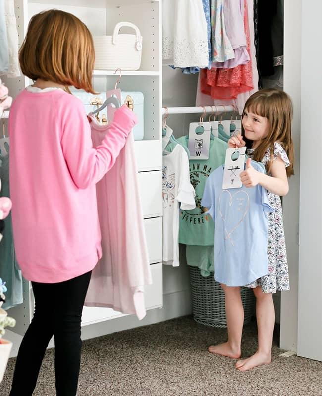 چیدن کمد لباس بچه