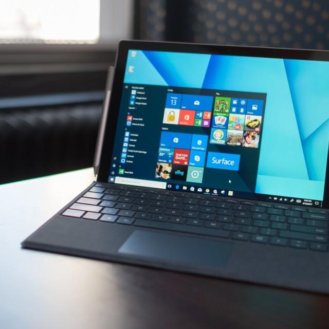 تبلت مایکروسافت Surface Go 2  در بروزکالا
