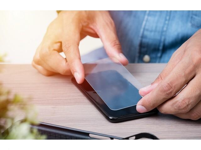 آشنایی با انواع گلس محافظ صفحه نمایش گوشی موبایل