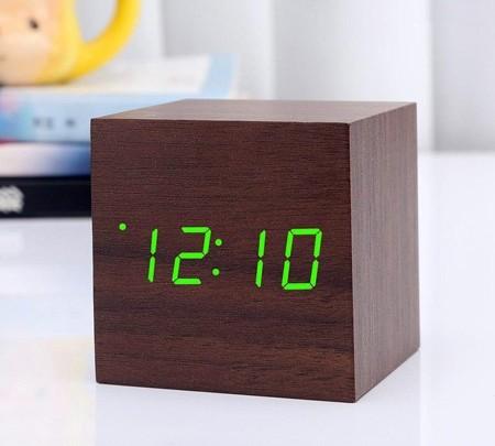 ساعت و دماسنج دیجیتال چوبی رومیزی