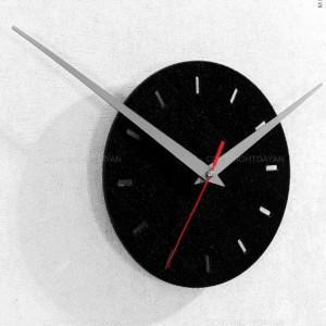 ساعت دیواری خدایی که به شدت کافیست