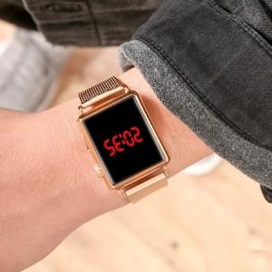 ساعت LED بند فلزي طلایی مدل اپل