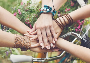 چگونه دوستان واقعی را از دوستان غیرواقعی تشخیص دهیم؟