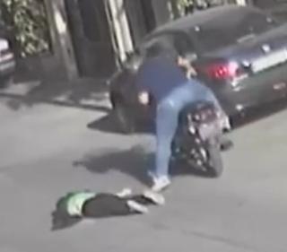 ویدئو :  زورگیری وحشیانه از زن جوان در پایتخت