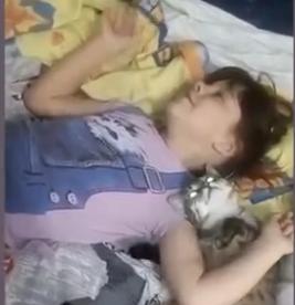 ویدئو :   گریه نکن عزیزم