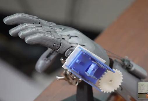 ویدئو :  دست های مکانیکی بدون هر گونه قسمت الکترونیکی