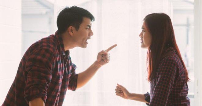 ۱۱ روش برخورد با همسر عصبانی و آرام کردن خشم و عصبانیت او