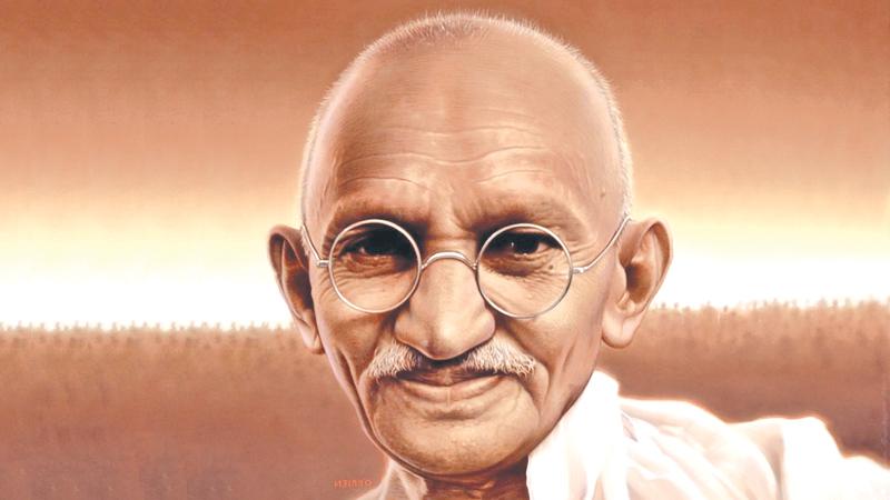 ۱۰ دستاورد مهم زندگی ماهاتما گاندی که شخصیت برتر قرن شناخته شد