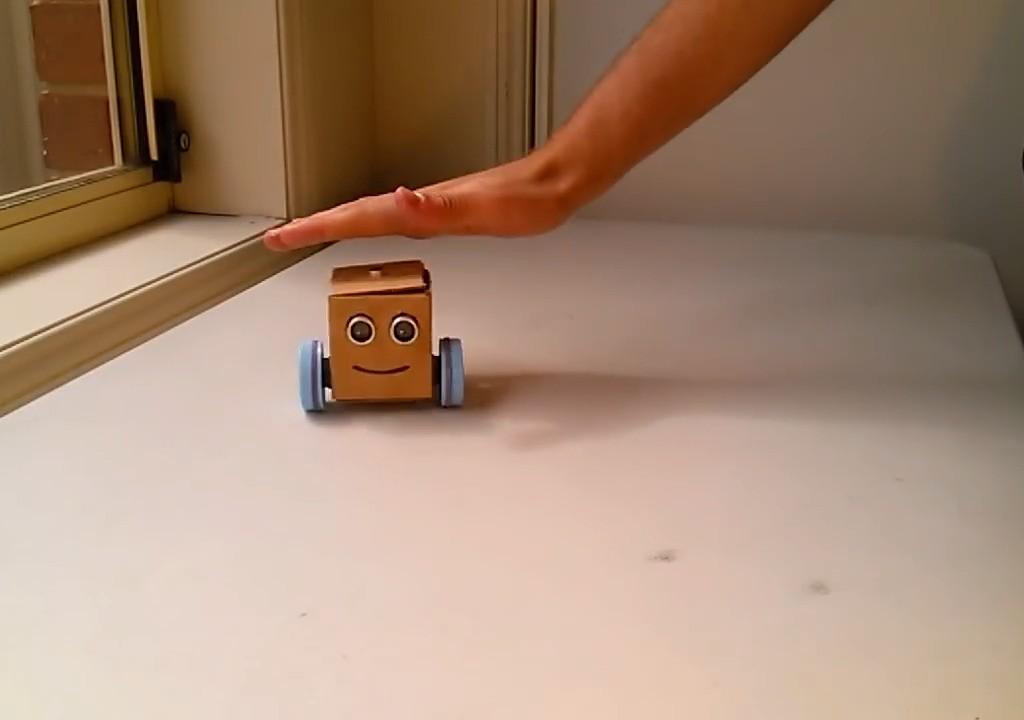 ویدئو :   ساخت ربات حرکتی ساده