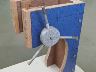 ویدئو :  چگونه یک دستگاه درل ساده درست کنیم؟؟؟!!!