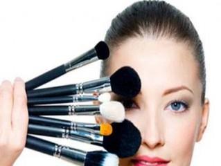 روان شناسی میکاپ و ریشهیابی تمایل انسان به آرایش