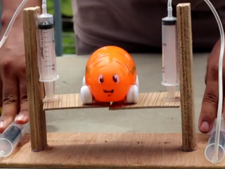 ویدئو :  اموزش ساخت بالابر با سرنگ