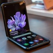 مقایسه گلکسی Z Flip با گلکسی S20 اولترا؛ دو گوشی متفاوت با قیمت 1400 دلار