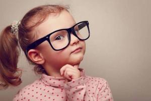 والدین هشیار باشید؛ کودکان نباید بزرگتر از سنشان بفهمند