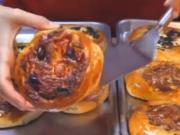 ویدئو : پخت پیتزا به روش ترکیه ای