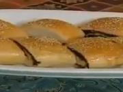 ویدئو :  آموزش تهیه نان مغزدار رولتی به ترکی آذربایجانی