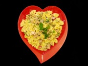 بشقاب غذا خوری یکبار مصرف مجلسی رنگی بسته 150 عددی.jpg