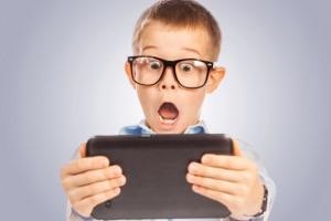 پسر 9 ساله ام فیلم مبتذل دیده چگونه توجیهش کنم ؟