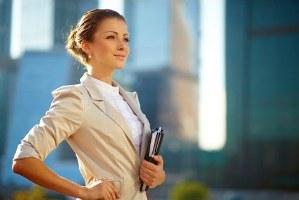 5 عادت که جلوی پیشرفت زنان در کار را میگیرد