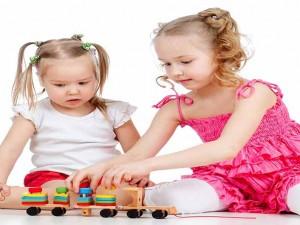 روش بازی با نوزاد شش تا نه ماهگی