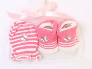 ست دستکش و جوراب نوزادی