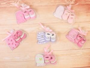 جوراب و دستکش نوزادی