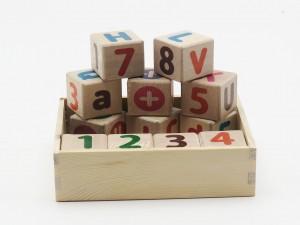 مکعب های چوبی حروف و اعداد انگلیسی