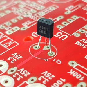 ترانزیستور A1015