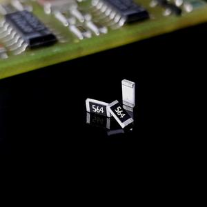 مقاومت 560K 1206 SMD