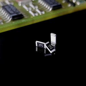 مقاومت 390ohm 0805 SMD
