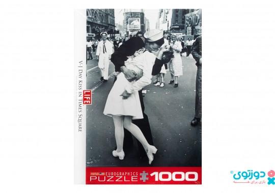 پازل یوروگرافیک 1000 تکه طرح روز بوسه در میدان تایم 0820