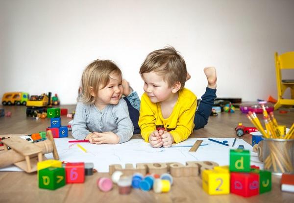 خرید اسباب بازی برای کودک سه (3) ساله