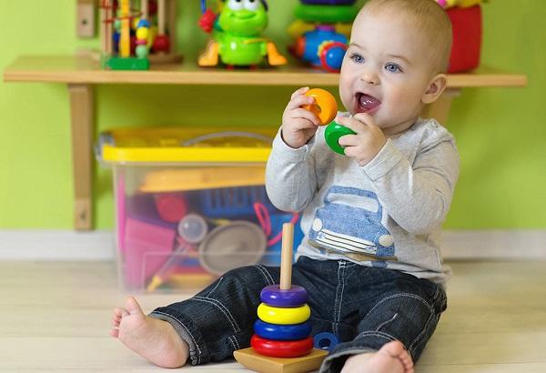 اسباب بازی برای کودک یکساله (دوازده ماهه)