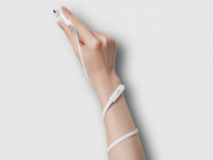 بند اسپرتی ایرپاد بیسوس مدل Sports Collared Silicone Hanging Sleeve
